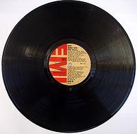 20110822231524-200px-disco-de-vinilo-1-.jpg