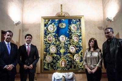 TONTOS DE CAPIRUCHO. El cartel de la Magna.